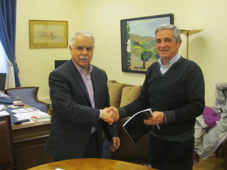 io sto con la grecia-consegna_firme_saracini-2