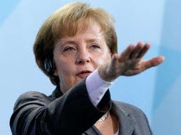 Angela Merkel-braccio teso