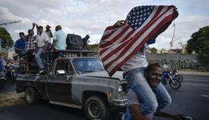 L'opposizione celebra nelle strade di Caracas – Foto Carlos Becerra (Bloomberg)