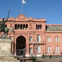 """""""Nadie suelta la mano de nadie"""": Iniziativa a favore della libertà dei prigionieri politici in Argentina."""